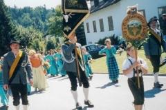 Schillertswiesen 2002 Fahnenjunker und Begleiter